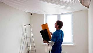 Натяжные потолки: установка багета и тканевого полотна